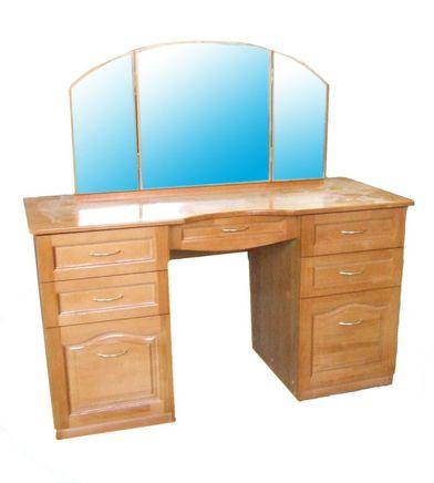 Дамский стол 1