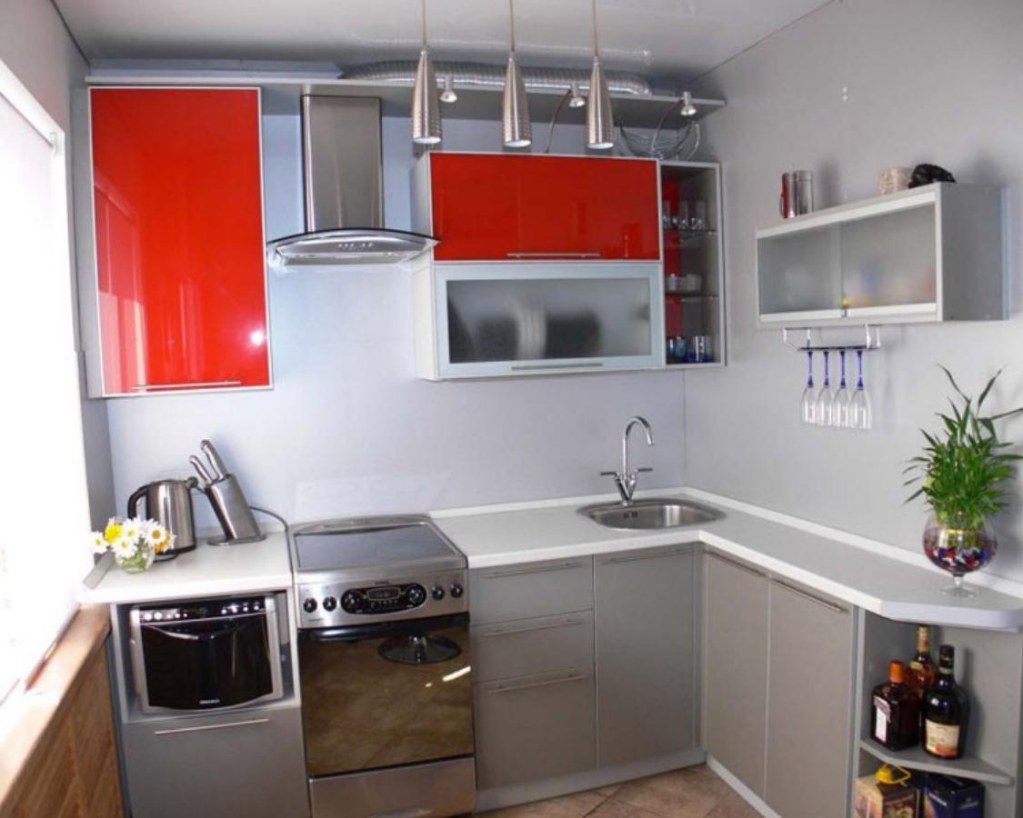 Угловая кухня дизайн в маленькой кухне